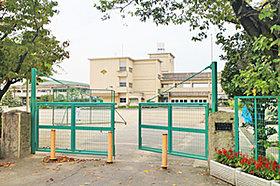 宮田小学校 (約1,300m:徒歩17分)