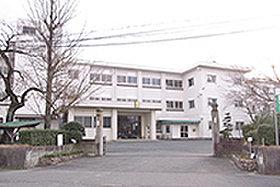 豊坂小学校 (約1,510m:徒歩19分)