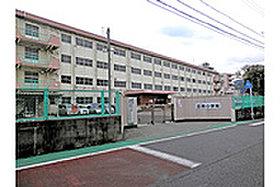 ・ 田原小学校 (約180m:徒歩3分)