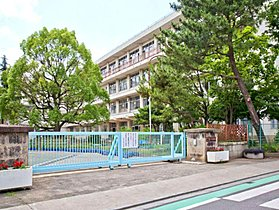 所沢市立泉小学校まで徒歩12分(889m)