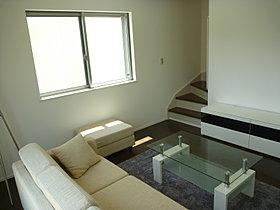 リビング階段。自然と家族を顔を合わせる機会を増やします。