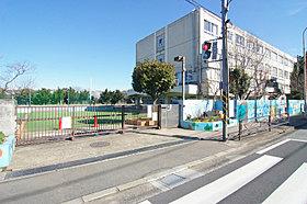宮崎小学校…徒歩5分(350m)