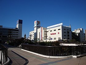 JR総武線「船橋」駅前