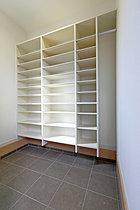 日用品の保管場所等に便利なユーティリティスペース(参考写真)