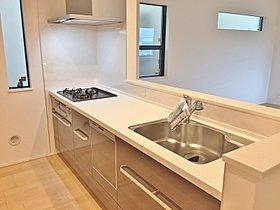 【2号棟キッチン】対面キッチン、収納棚、床下収納、食洗機設置