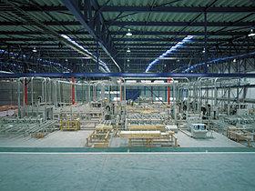 コンピューター制御で機械加工する日本一の自社プレカット工場