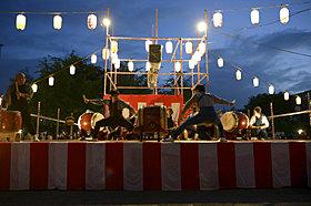 夜には太鼓・盆踊りも行われました