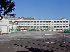 横浜市立青葉台中学校まで約1500m