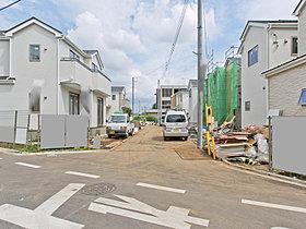 大型の分譲地ですので、キレイに整備された新しい街となります。