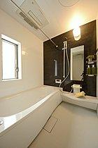 1616タイプの広い浴室。浴室乾燥・暖房も完備。