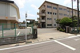 美川中学校