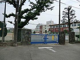 小金井市立緑中学校まで290m