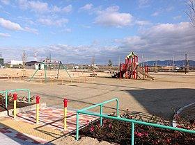 子どもと遊びに行けるしだみ中央公園が分譲地に隣接。