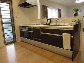 ●IH、食洗器、グリル、浄水器も搭載のキッチン!