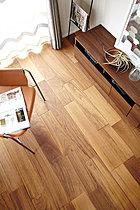 無垢を超える床「ヴィンテージフロア ラスティック」