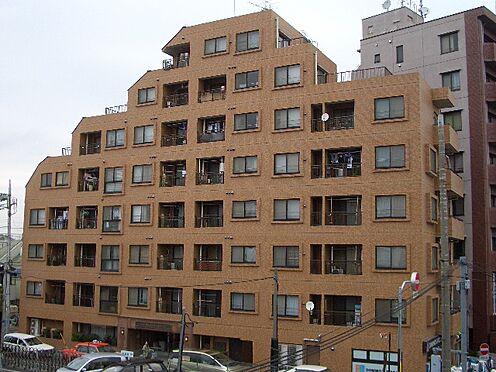 マンション(建物一部)-葛飾区四つ木5丁目 茶系のタイル貼りです