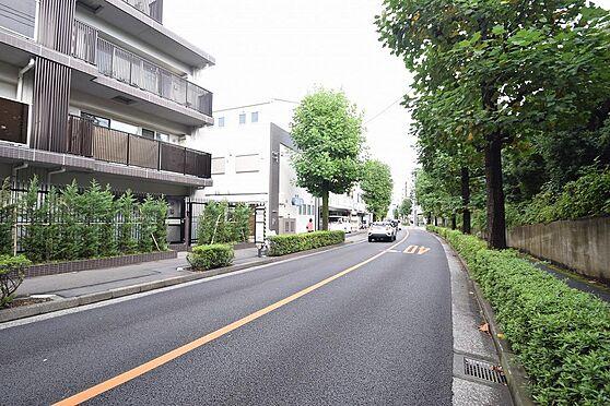 アパート-小金井市本町5丁目 南側公道幅員約12.4m/間口約12.4m
