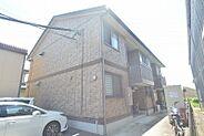 大手ハウスメーカー施工の築浅軽量鉄骨造アパート。