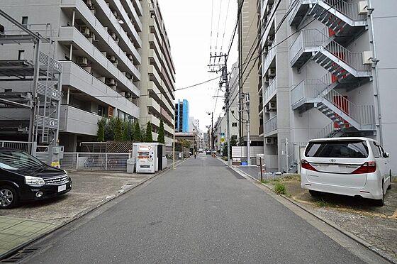 マンション(建物全部)-川崎市川崎区南町 北側前面道路は幅員約6.06m/間口約9.15m。