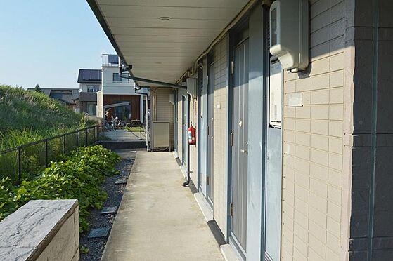 アパート-大垣市南若森4丁目 落ち着いた色合いの玄関ドア