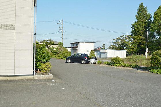 アパート-大垣市南若森4丁目 車所有の入居者需要に応える広めの駐車場