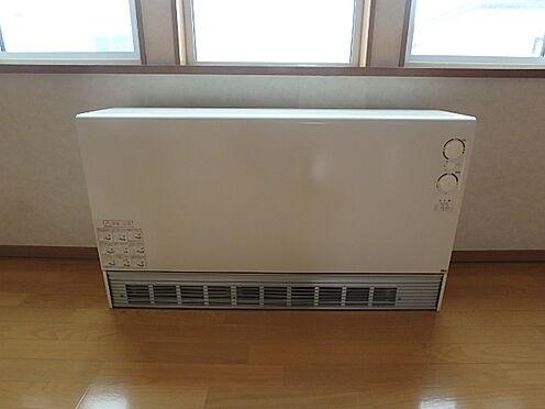 アパート-帯広市西十七条南5丁目 202居間 蓄熱暖房機大型ファン 室温センサー付