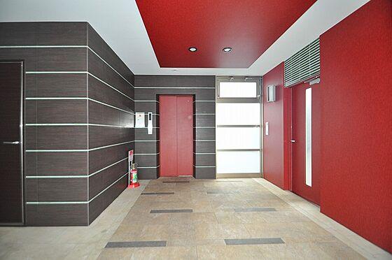 ビル(建物全部)-北九州市小倉北区片野4丁目 赤が印象的なデザイン性の高いエレベーターホール