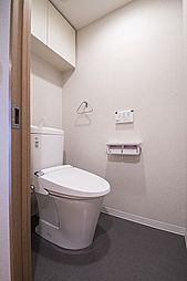 リモコンタイプの洗浄機能付トイレ