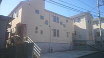 陽当り良好の建物です。それぞれ3LD、4LD、Kの注文の大型2世帯住宅です。