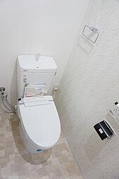 温水洗浄機能付きトイレで毎日快適。
