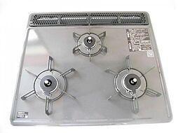 リフォーム済み。新品交換したシステムキッチンのガスコンロは3口ありますので、家事の効率があがります