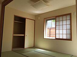 リビング横にあるので扉を開けて頂くと広々とした空間になります
