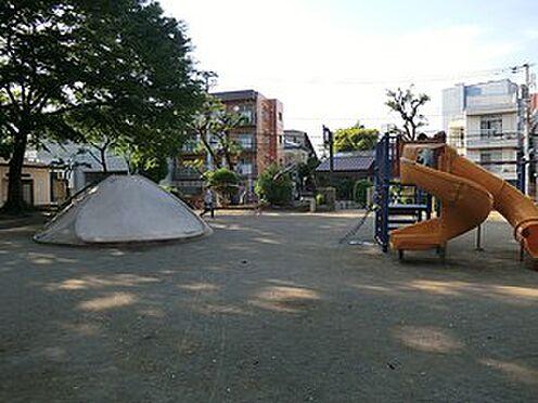 マンション(建物全部)-文京区本駒込4丁目 周辺環境:駒込公園