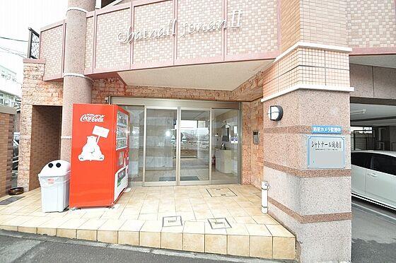 ビル(建物全部)-福岡市城南区南片江1丁目 落ち着いた色合いの外観にマッチした入口