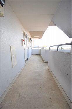マンション(建物全部)-野田市野田 広々としたスペースの共用廊下
