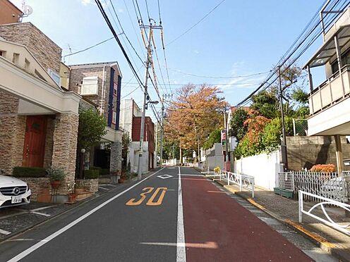 アパート-目黒区緑が丘1丁目 前面道路と周辺環境