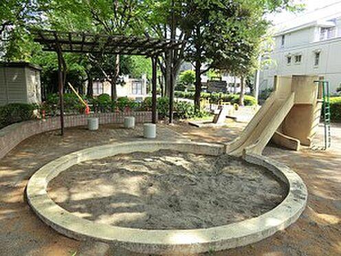 アパート-新宿区上落合3丁目 上高田北公園
