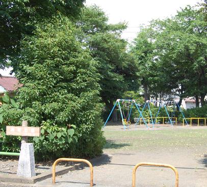 緑町公園 約10m(徒歩1分)