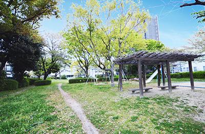 南下安第一公園 約240m(徒歩3分)