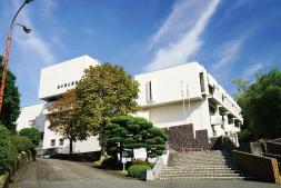 栃木県立図書館 約1,400m(徒歩18分)