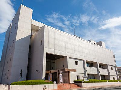 熊谷図書館 約730m(徒歩10分)