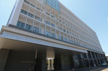 茅ヶ崎市役所 約1,150m(徒歩15分)
