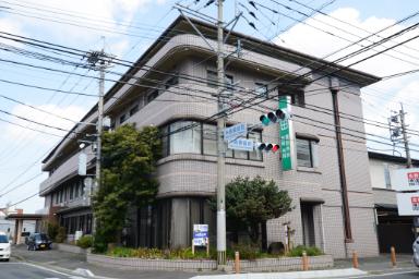 友田外科医院 約630m(徒歩8分)