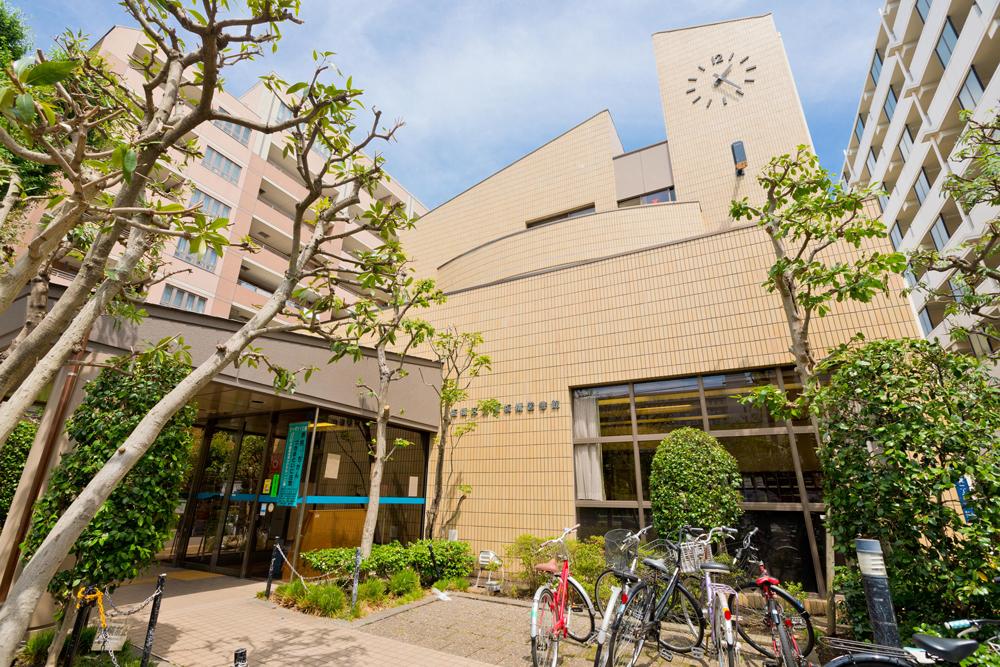板橋区立東板橋図書館 約260m(徒歩4分)