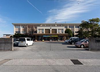 米子市立福米中学校 約1,830m(徒歩23分)