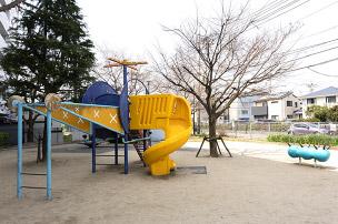 南本町公園 約80m(徒歩1分)