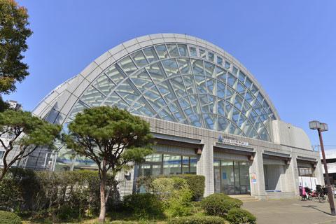 東綾瀬公園温水プール 約580m(徒歩8分)