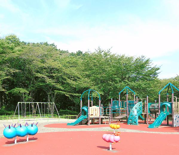東村山中央公園 約660m(徒歩9分)