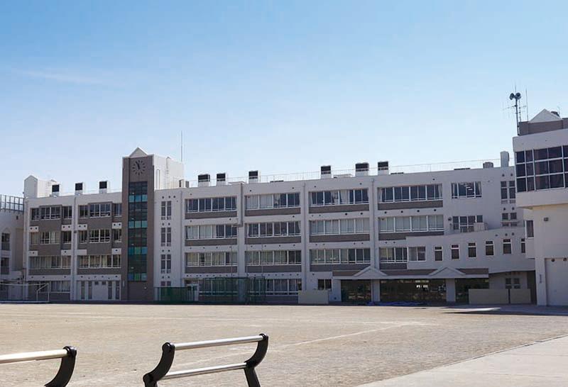 川崎市立中野島中学校 約160m(徒歩2分)