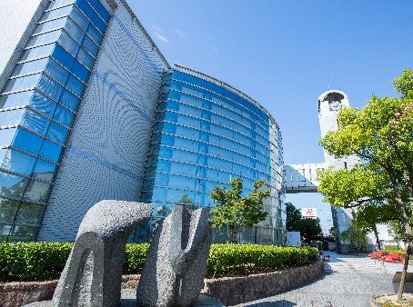 刈谷市中央図書館 約1,400m(徒歩18分)